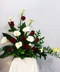 Callas & Rose Multi-purpose arrangement
