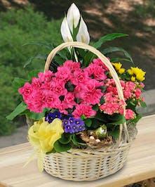 Deluxe Blooming Garden Basket