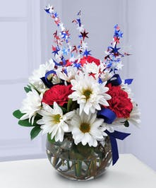 Daisy and Carnation Patriotic Floral Arrangement